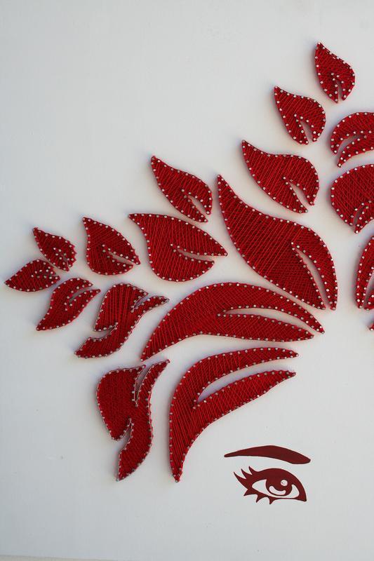 Логотип для Yalis в технике stringart