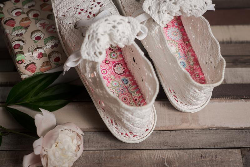 Вязаные ажурные кроссовки на толстой подошве