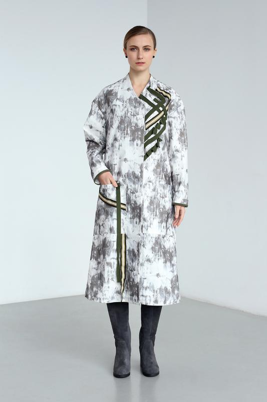 Пальто с необычным кроем