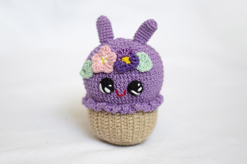 фиалковый кекс заяц вязаная игрушка крючком амигуруми ручной