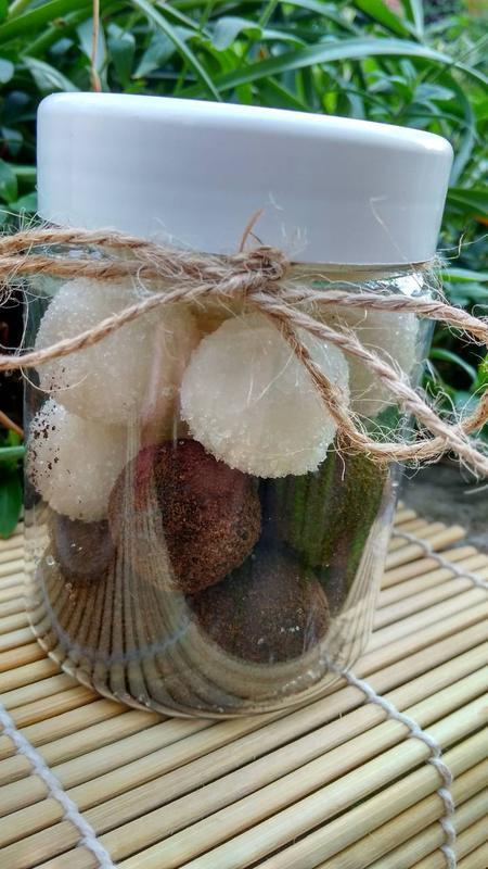 Натуральный сахарно-соляной скраб для тела ,,Сладкие шарики,,-Кокосовый