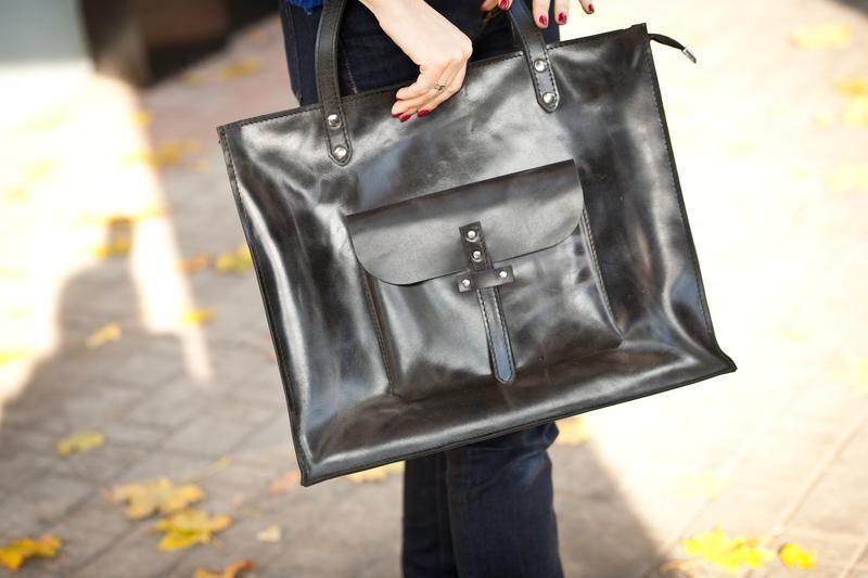 Кожаная сумка на молнии