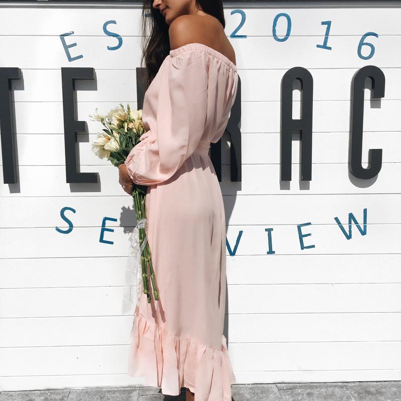 Романтичное летнее платье с оборочкой