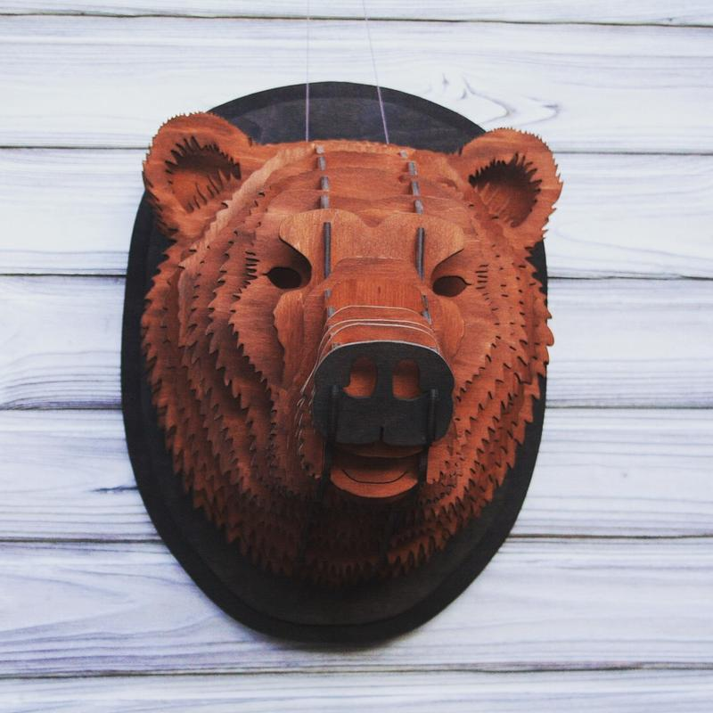 картинка голова медведя за кустом артистка