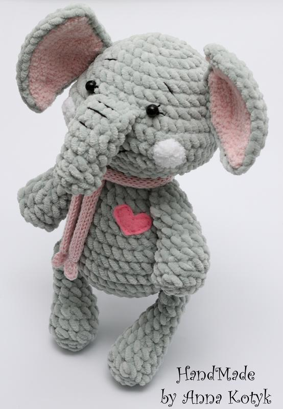 Іграшка плюшевий слоник (Игрушка плюшевый слоник)