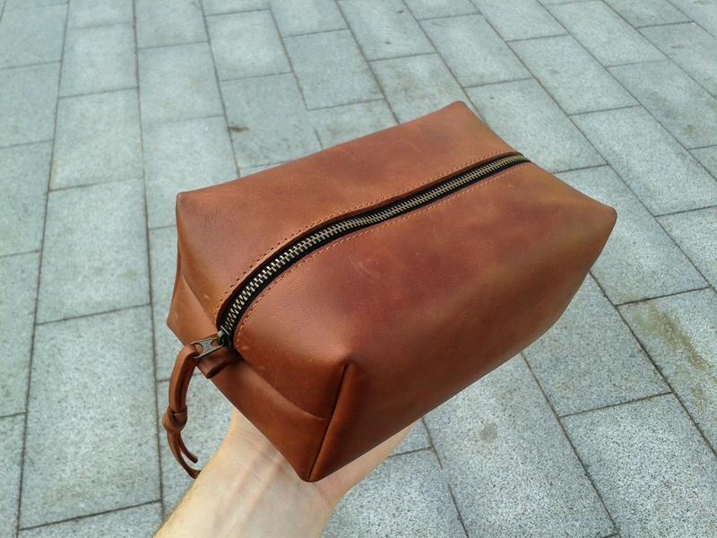 ac772f6567ee Дорожная кожаная косметичка несессер сумочка органайзер удобно для кистей  женская и мужская.