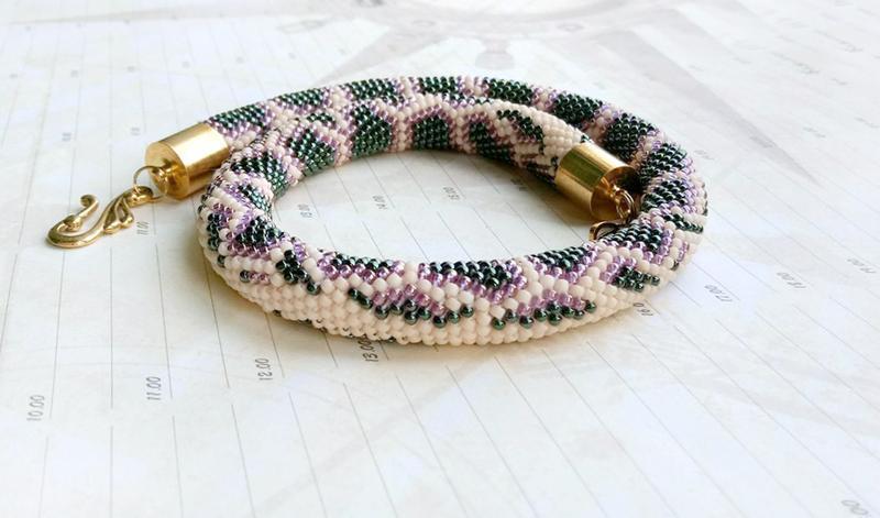 Жгут питон, украшение из бисера, разноцветный зеленый.