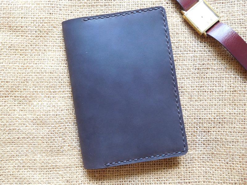 Обложка для паспорта с карманами из телячьей кожи